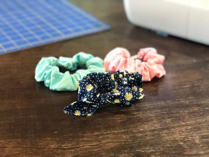 How to Make a Scrunchie with Step by Step Photos