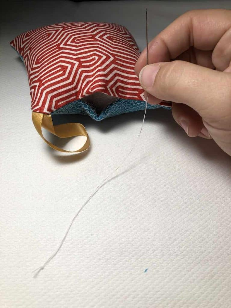 Thread needle for ladder stitch