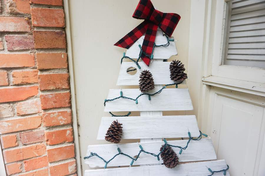 Wooden Christmas Tree Feature