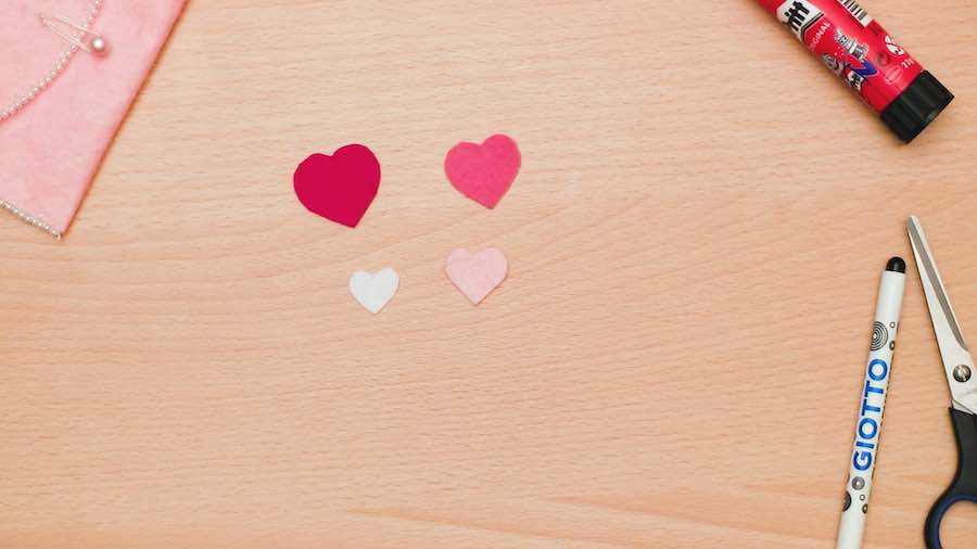 Draw hearts in 4 sizes and cut