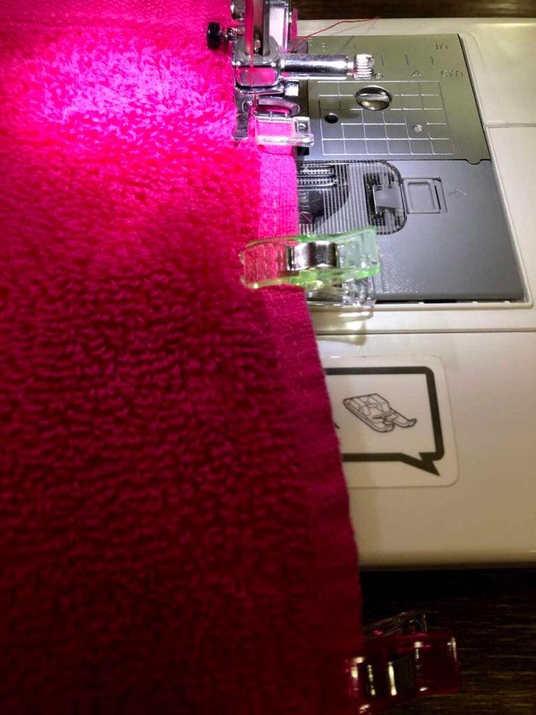 Stitch kid's hooded towel