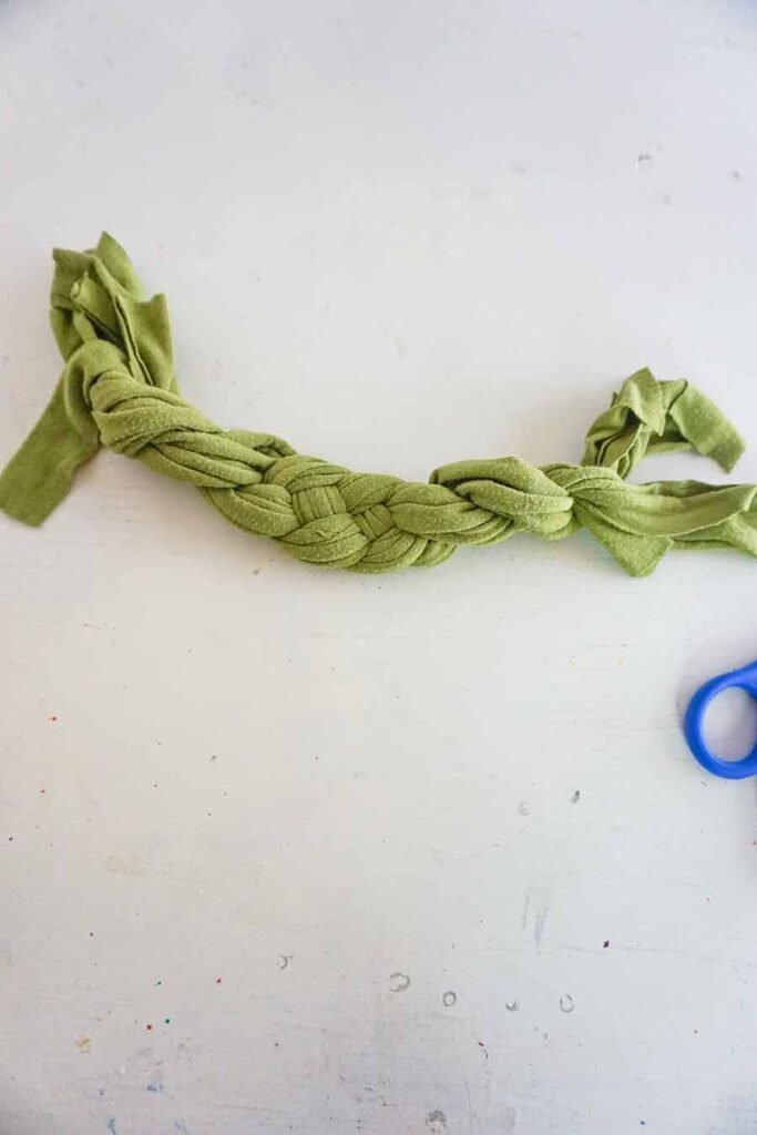 tightening sailor's knot
