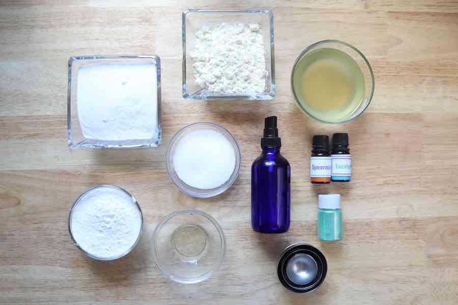 supplies to make bath bombs