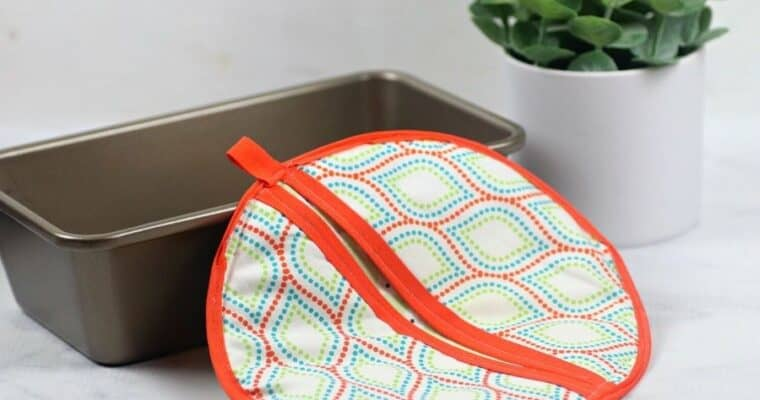 How to Sew a Round Potholder with Free Pattern
