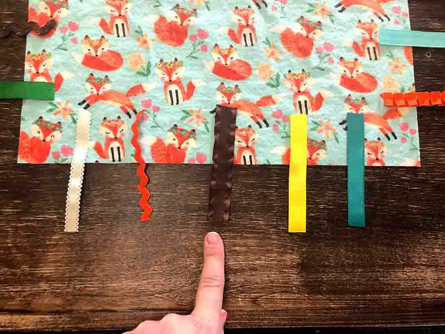 spacing out ribbons for baby tag blanket