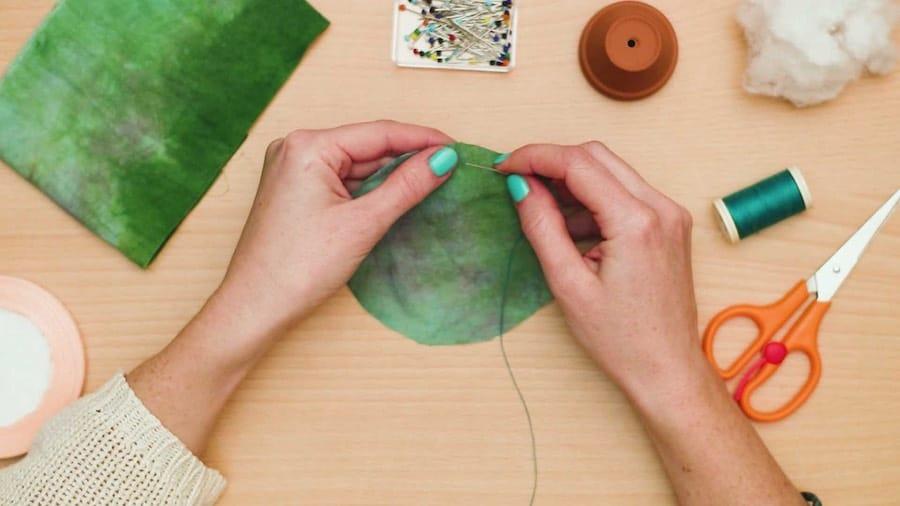 Use a basic stitch to sew around the circle