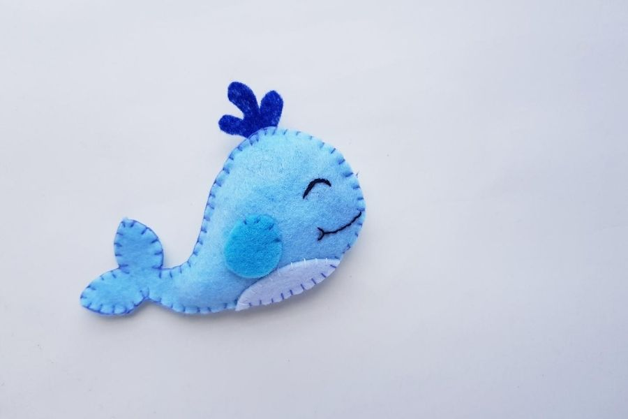 felt whale diy plushie