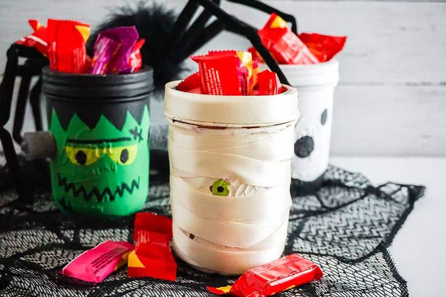 Halloween Mason Jars Crafts
