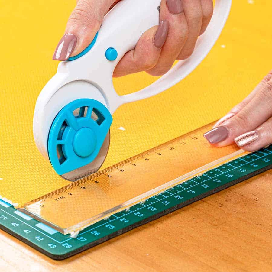 rotary fabric cutter