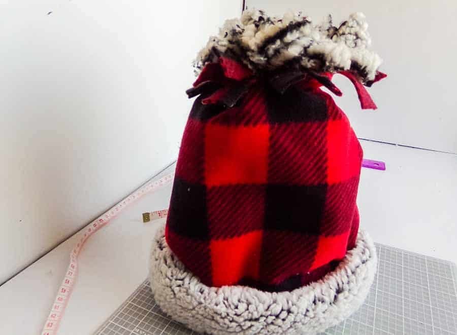 No-Sew Fleece Hat