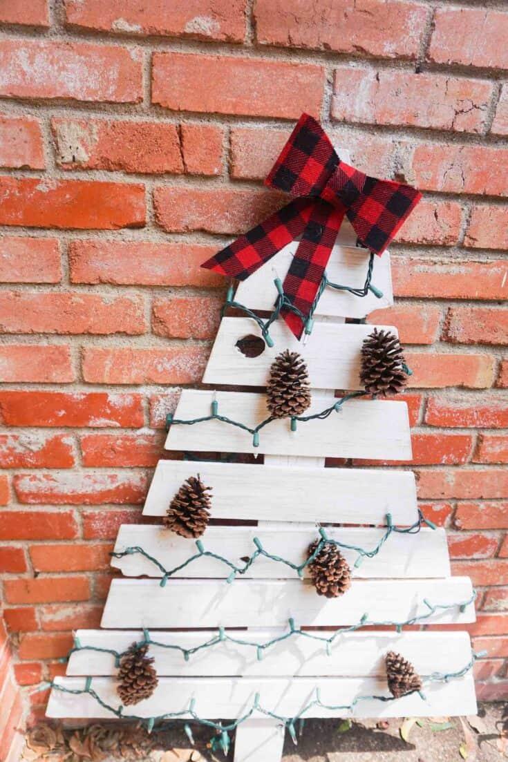 Eay DIY Wood Christmas Tree Completed