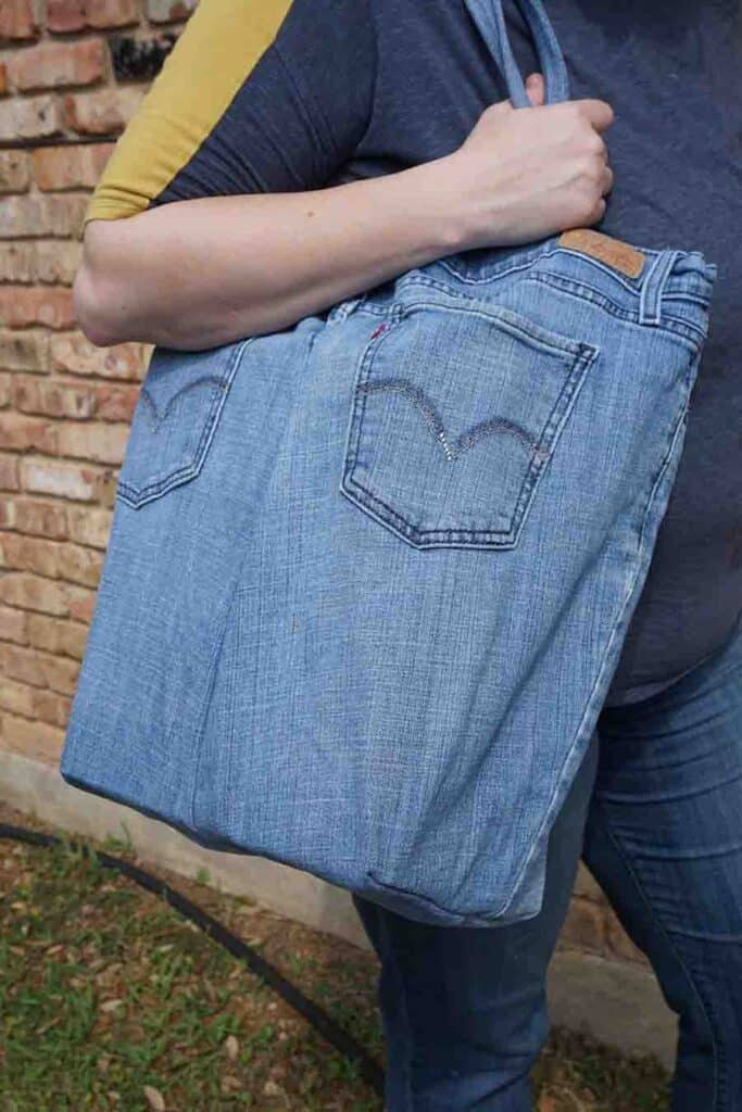 completed tote bag out of blue jeans
