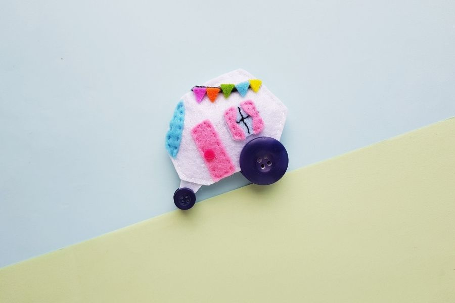 easy felt camper with free pattern
