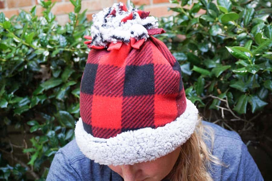 How To Make A No-Sew Fleece Hat