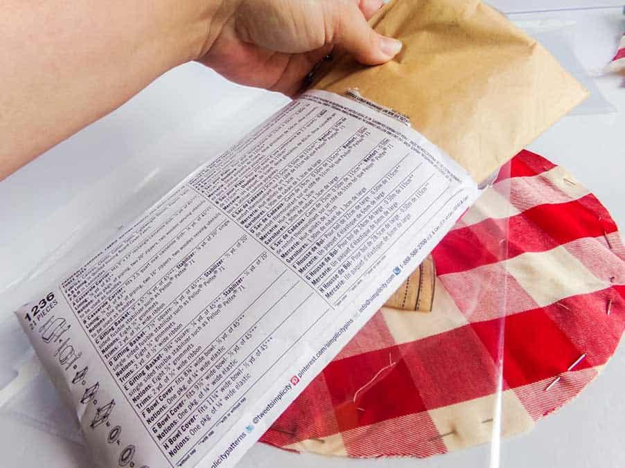 putting sewing pattern in envelope