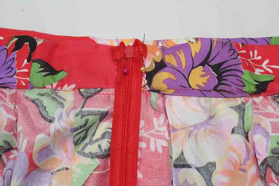 finishing zipper for pleated skirt