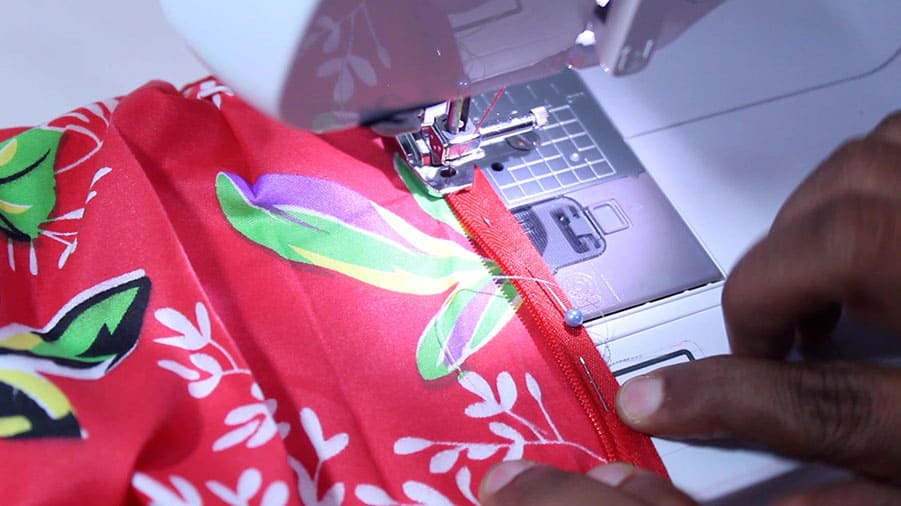 sewing zipper on pleated skirt
