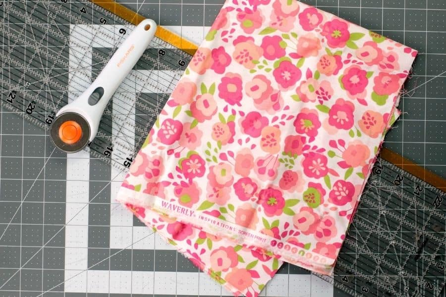 supplies to make fabric squares