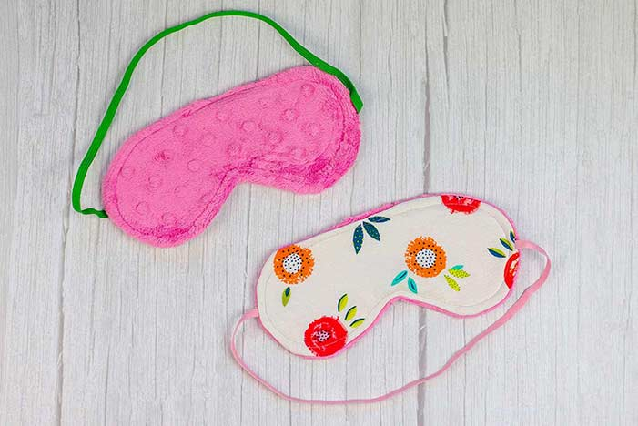 DIY Sleep Mask With Free Pattern Featured Image
