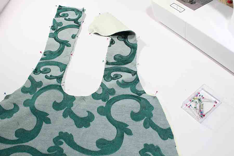cut our fabric for Easy sew slouchy tote bag