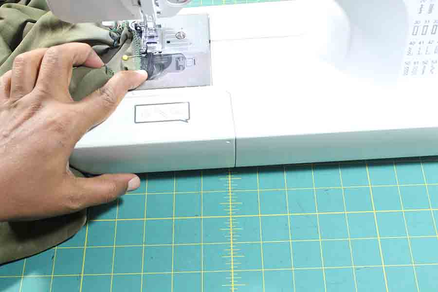 sewing elastic for sleeves of peasant blouse