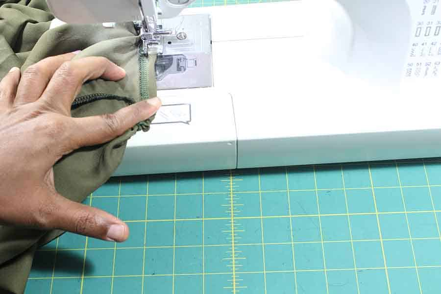 enclosing elastic for peasant blouse sleeves and neck