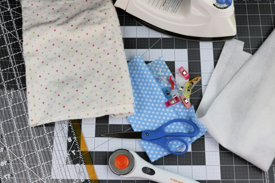 Supplies and tools for a fabric glasses case