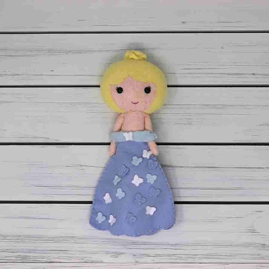 Dress the girl doll