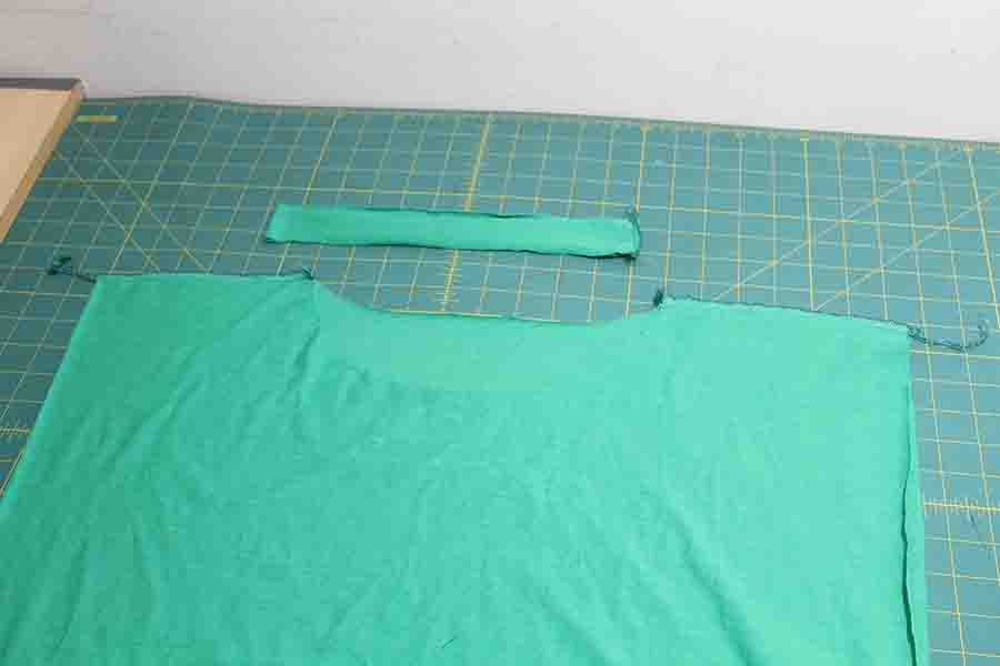 sew shoulder seams on t-shirt dress