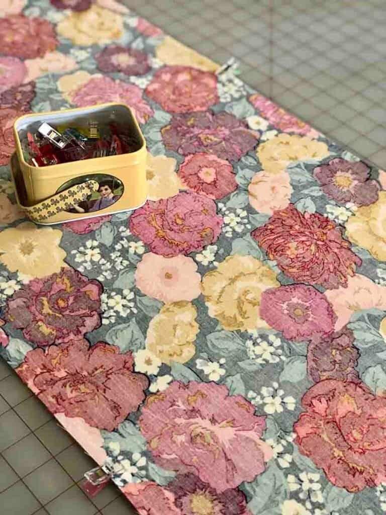 Clip the fabric edges
